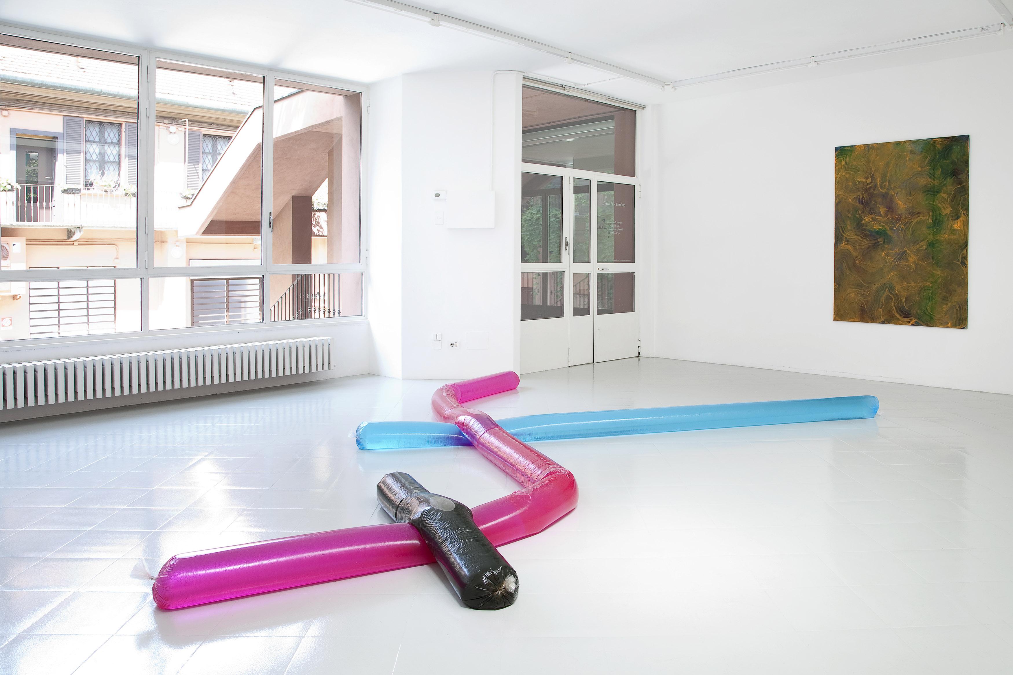 13 - Adrian Buschmann Mia Marfurt Henning Strassburger Tyra Tingleff Installation View 2015 - Courtesy Studiolo Milan Photo Filippo Armellin