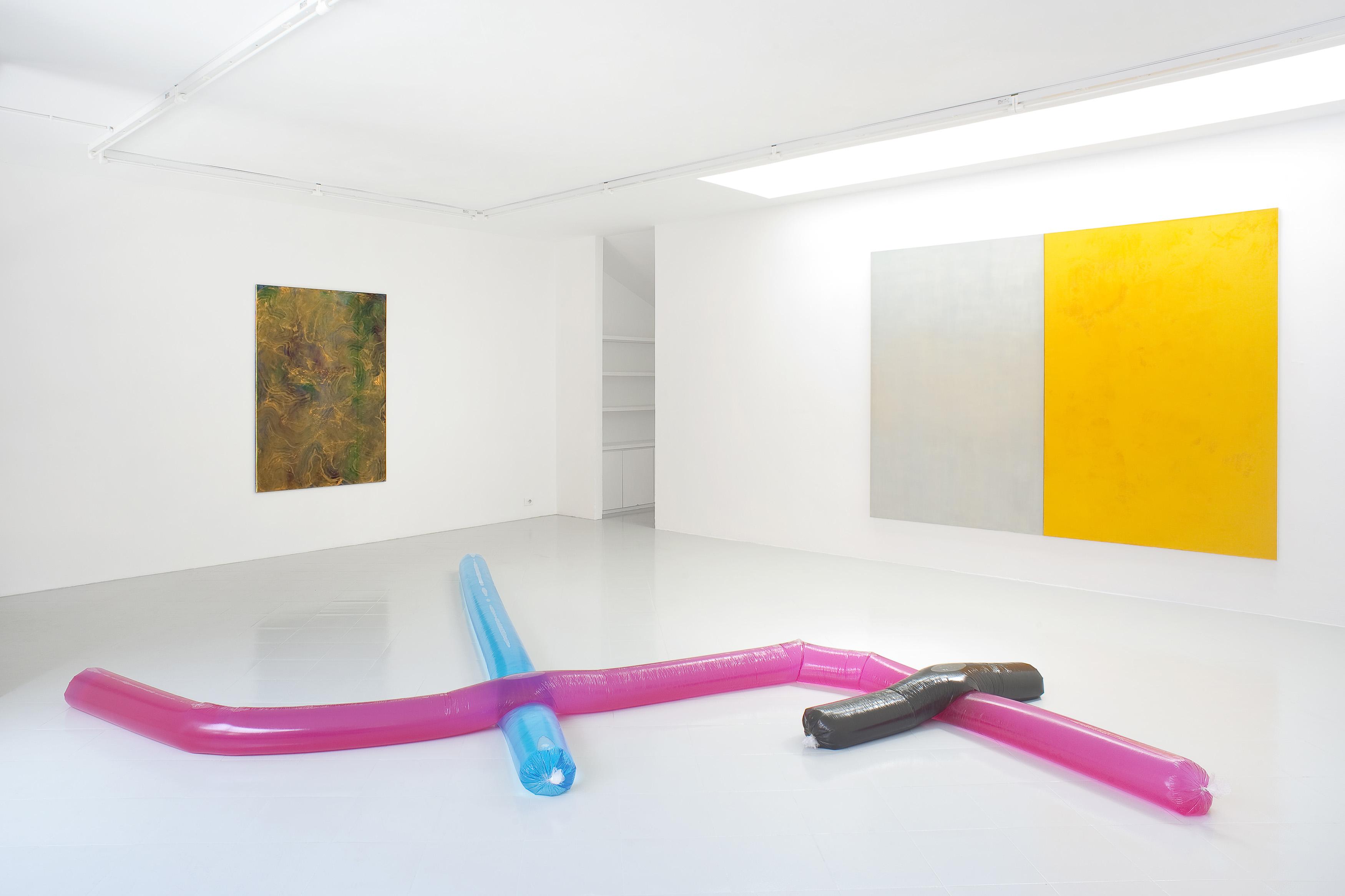 7 - Adrian Buschmann Mia Marfurt Henning Strassburger Tyra Tingleff Installation View 2015 - Courtesy Studiolo Milan Photo Filippo Armellin