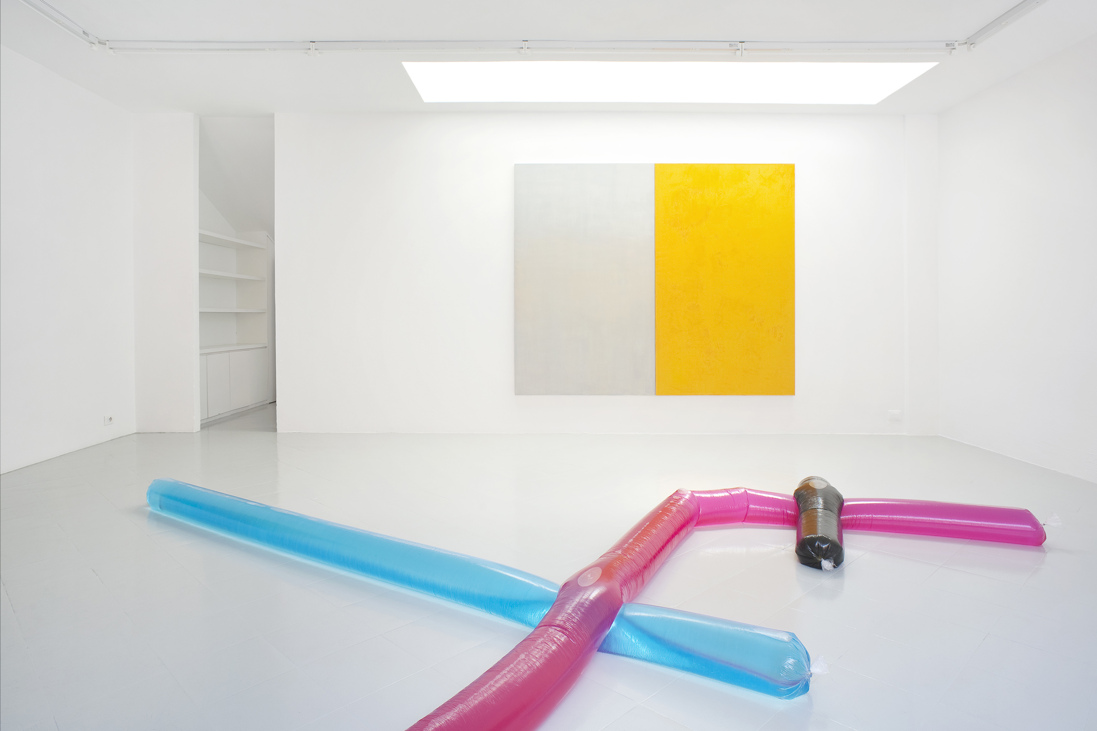 8 - Adrian Buschmann Mia Marfurt Henning Strassburger Tyra Tingleff Installation View 2015 - Courtesy Studiolo Milan Photo Filippo Armellin